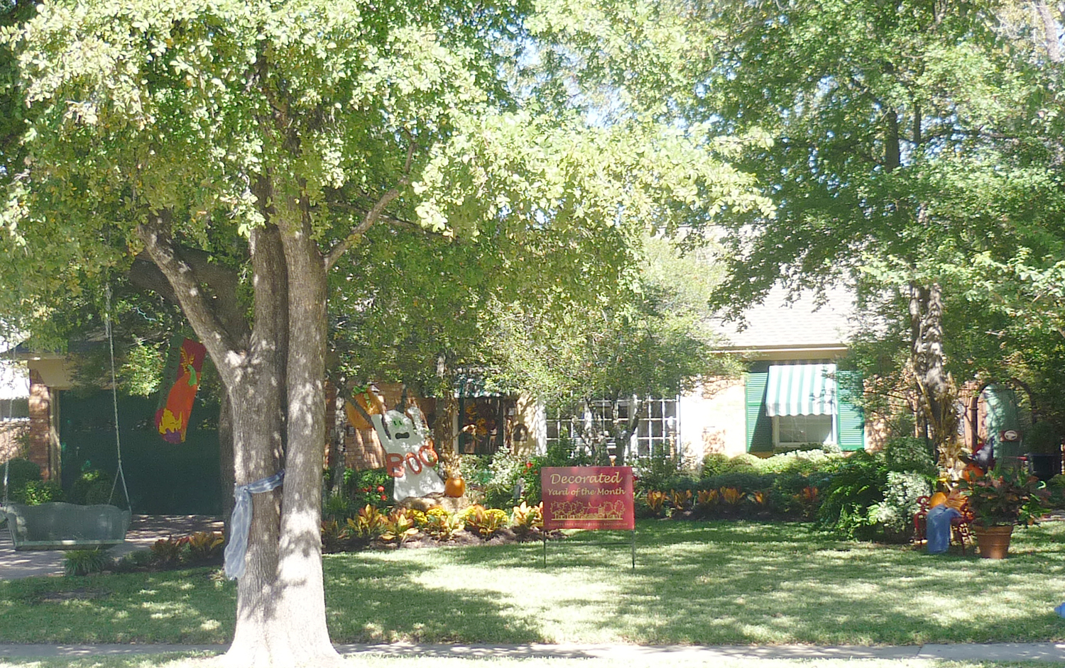 October Decorated Yard of the Month: 714 Westwood Drive