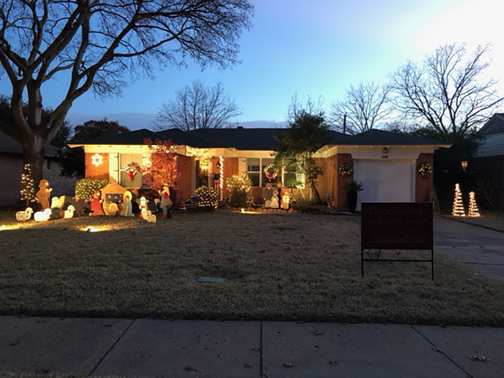 December 2017 Decorated Yard of the Month: 609 Newberry Drive