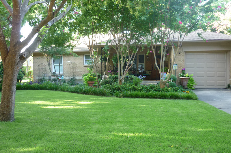 September Yard of the Month: Jeanie and Sid Erwin, 503 Ridgedale
